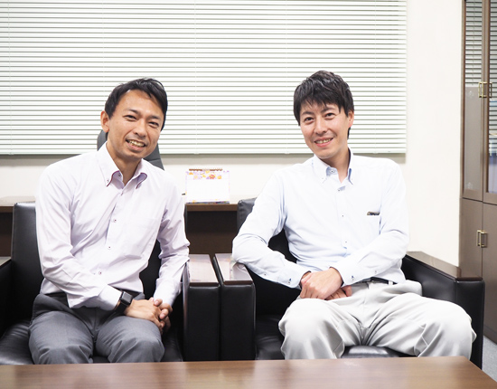 開発担当役員 鈴木 貴之氏(左)、製造担当役員 本田 敏之氏(右)